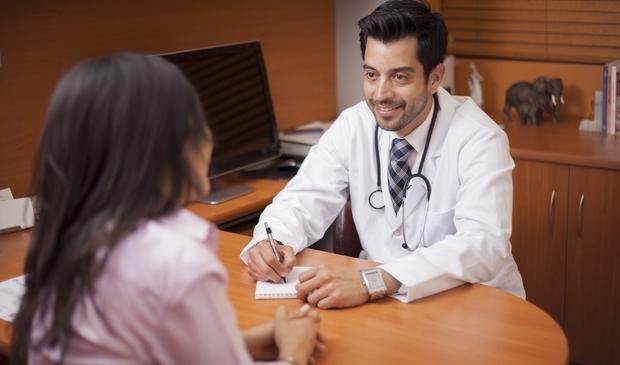 Frauenarzt: Keine Angst vor dem ersten Besuch - BabyRocks.de
