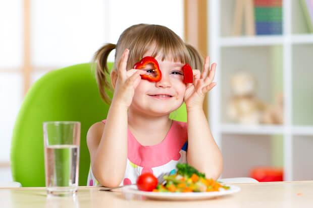 Gesunde Ernaehrung ist wichtig fuer Kinder | © panthermedia.net / oksun70