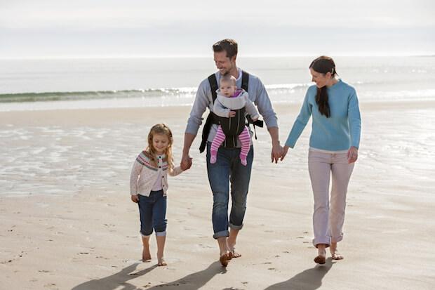 Familie mit Baby im Urlaub | © panthermedia.net / Graham Oliver