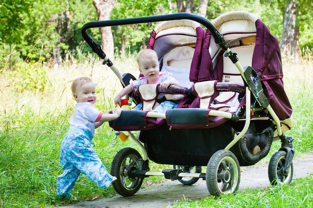 Zwillingskinderwagen Test 2017 | © panthermedia.net /Li_Al