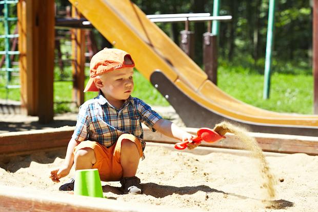 DIY Spielplatz im Garten | © panthermedia.net /Odelinde