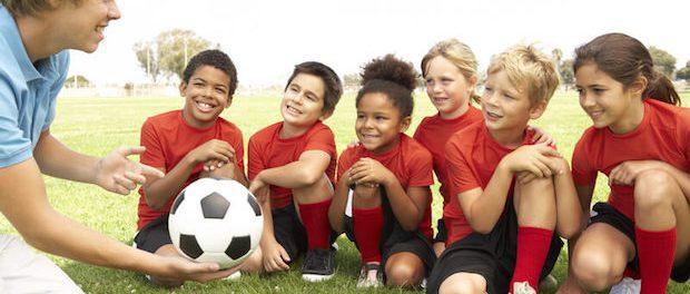 Fußball als beliebte Sportart | © panthermedia.net /Monkeybusiness Images