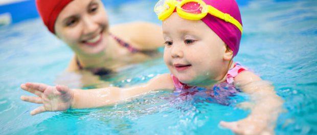 Schwimmen als Kindersport | © panthermedia.net /yanlev