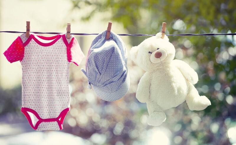 Babykleidung kaufen   © panthermedia.net /Erika Eros