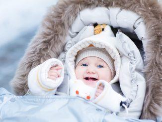Baby im Winter | © panthermedia.net /FamVeldman