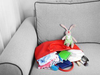 Wickeltasche | © panthermedia.net /belchonock