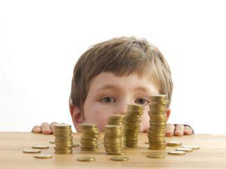 Kindergeld Kinderfreibetrag | © panthermedia.net /Katy Spichal
