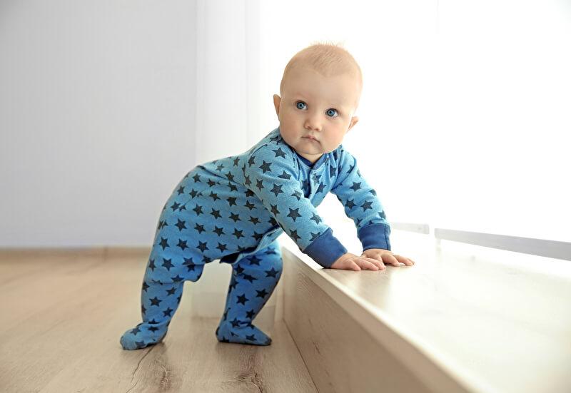 Baby Strampler | © PantherMedia / belchonock