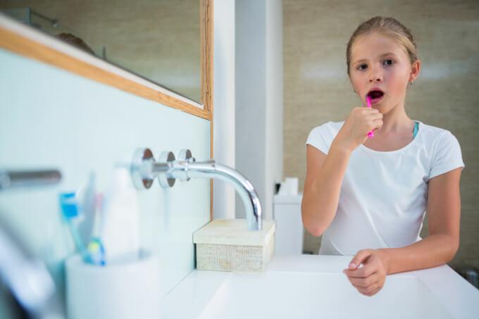 Badezimmer kindgerecht einrichten | © panthermedia.net /Wavebreakmedia ltd